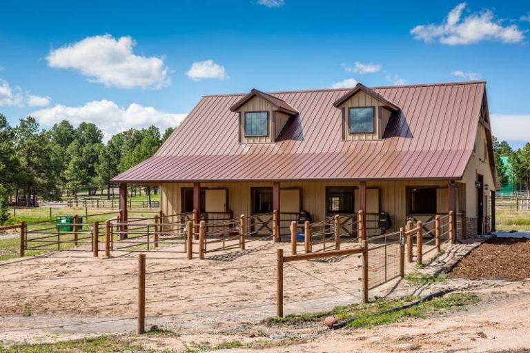 Horse Barn Colorado 768x512 1
